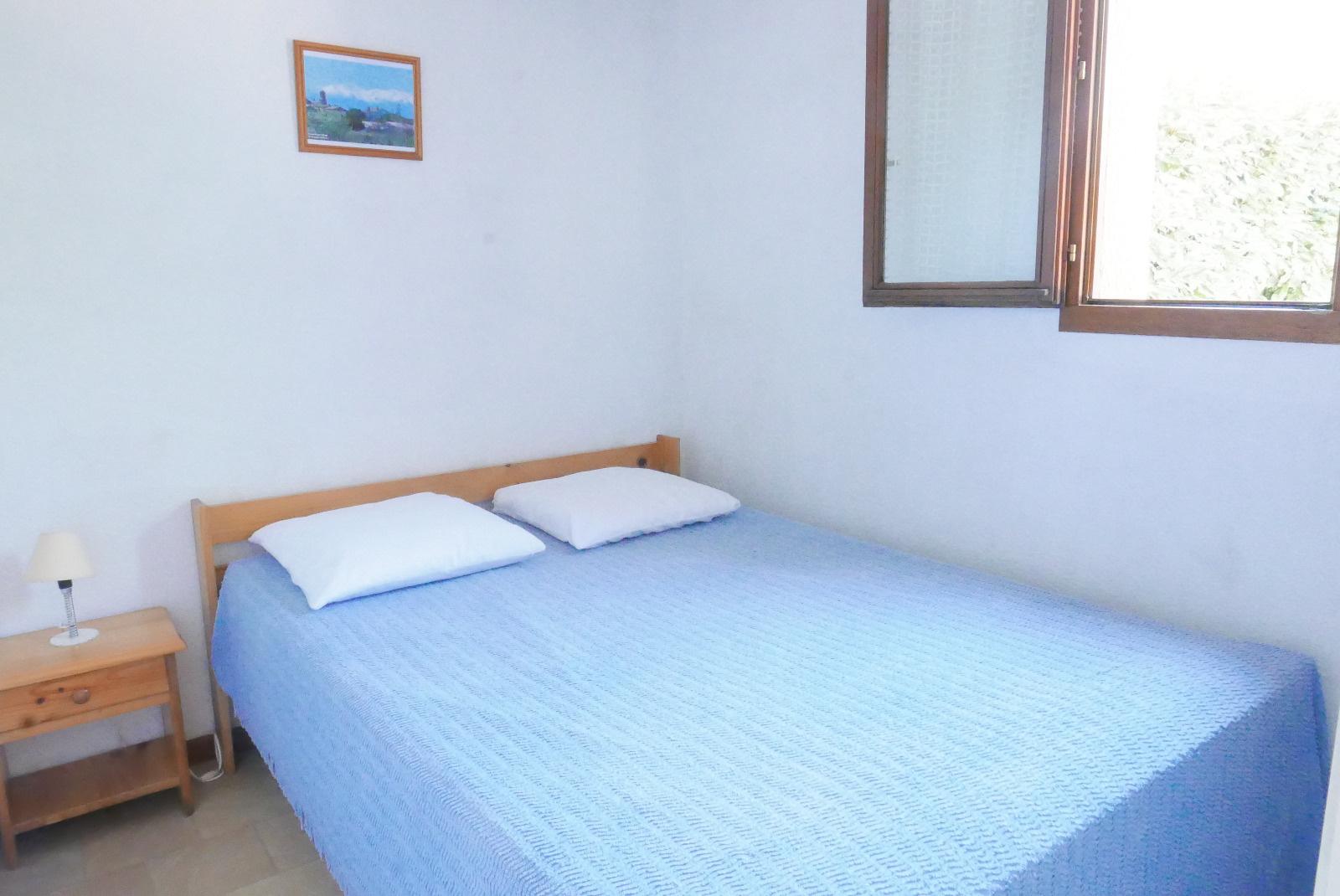 Chambre RDC avec lit en 140*
