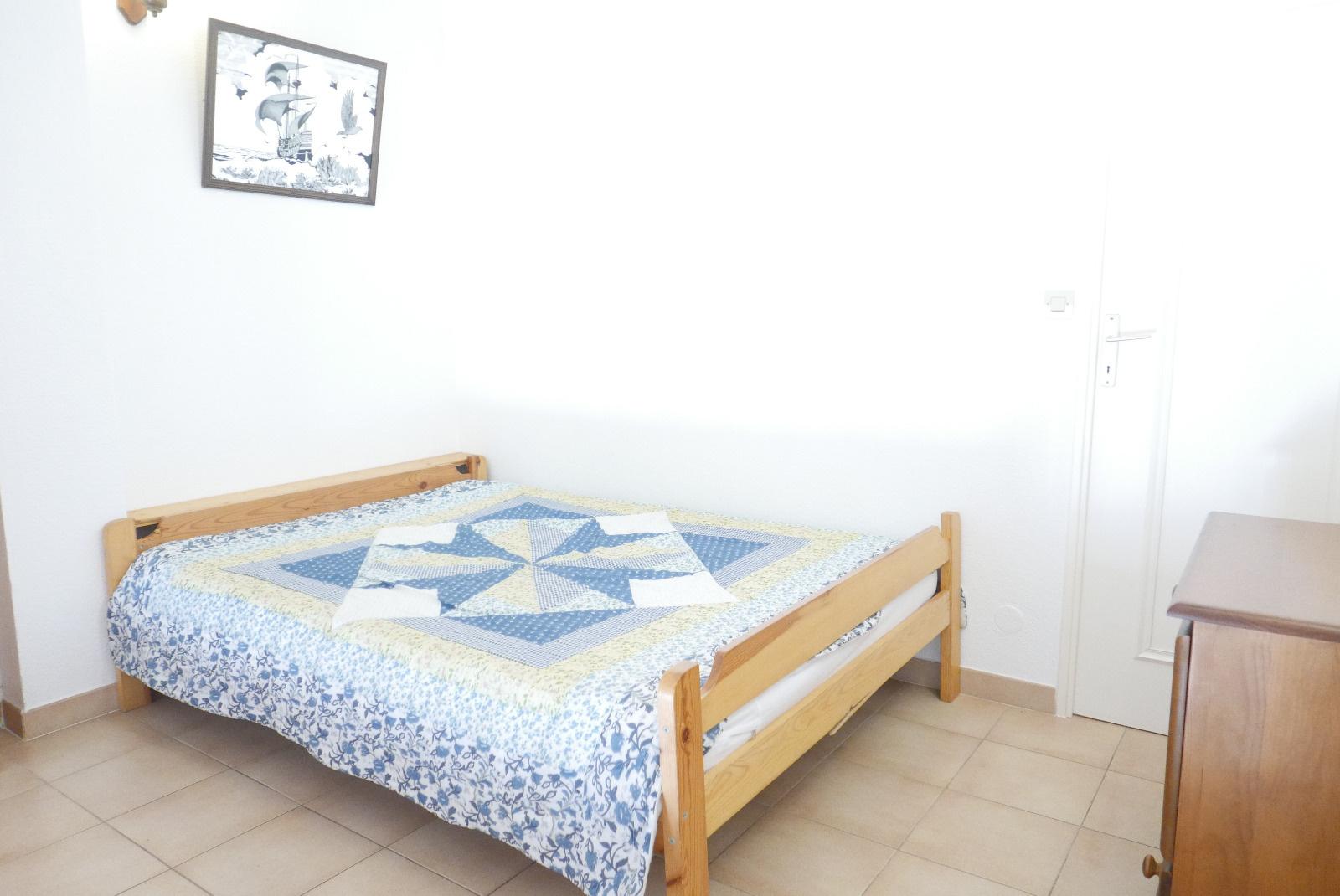 Chambre mezzanine avec lit en 80*