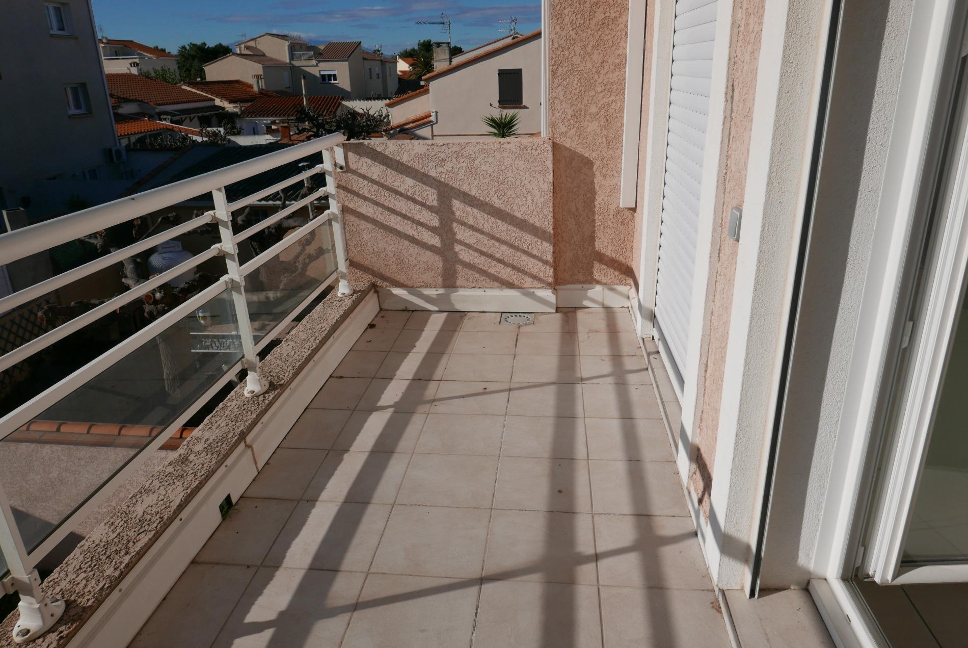 Balcon communiquant avec chambre 2 et 3