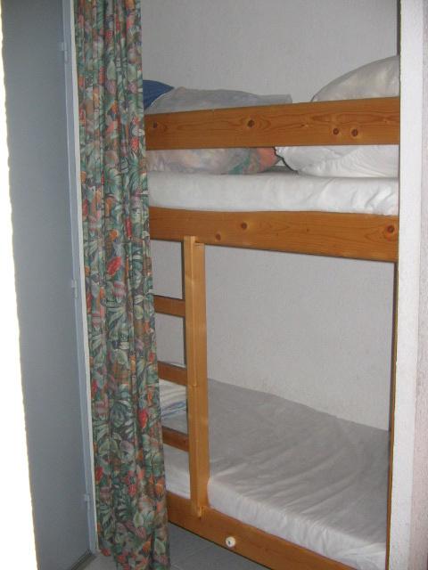 Cabine avec 1 lit superpose 2 x 80