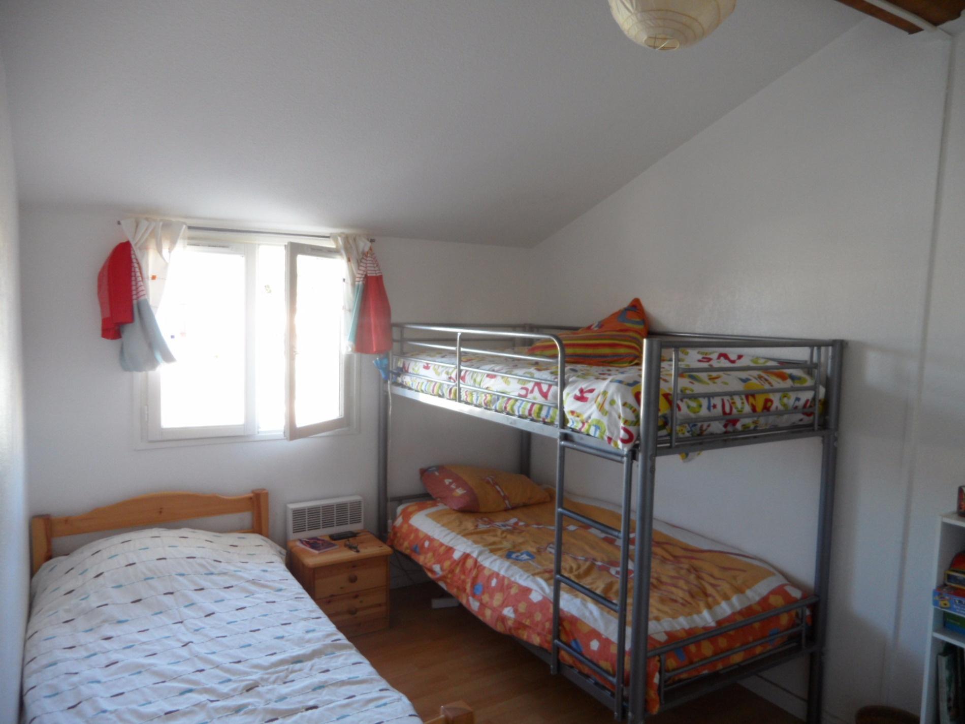 Chambre 3 lits en 80